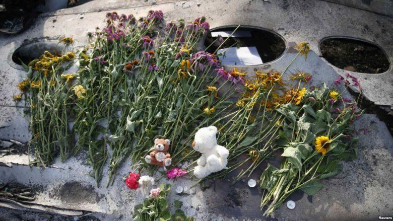 Tri vjet nga rrëzimi i fluturimit MH17, Holanda kujton sot viktimat