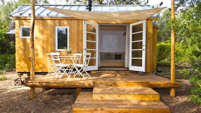 Shtëpia e vogël e mrekullueshme prej vetëm 13 metra katrorësh: Zgjidhje e thjeshtë dhe funksionale për të jetuar! (Foto, Video)