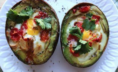 Çfarë hanë njerëzit e shëndetshëm në mëngjes