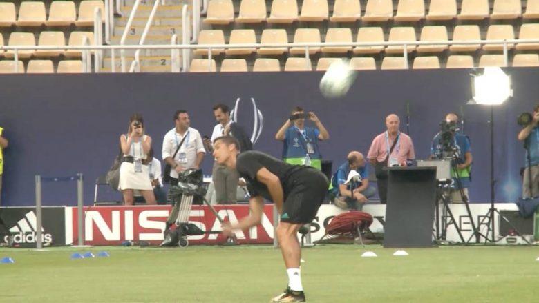 Ronaldo dhuron spektakël në stërvitjen para Superkupës në Philip II Arena (Video)