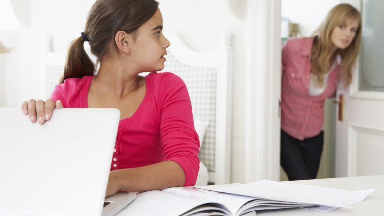 Efektet e pornografisë në adoleshencë