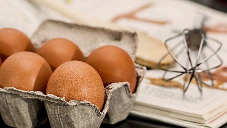 Mbani gabimisht vezët: Kjo është pozita në të cilën patjetër duhet të qëndrojnë në frigorifer