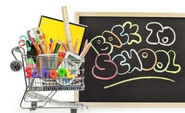 5 ide të mëdha si të kurseni para dhe t'i kompletoni fëmijët tuaj për vitin e ri shkollor