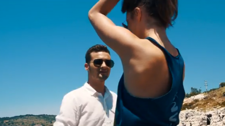 """Gramos Aliu vjen me """"Vetëm një puthje"""" (Video)"""