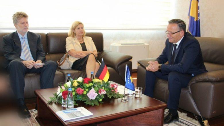 Ambasadorja e Gjermanisë vizitoi BQK-në, flasin për sektorin financiar në Kosovë