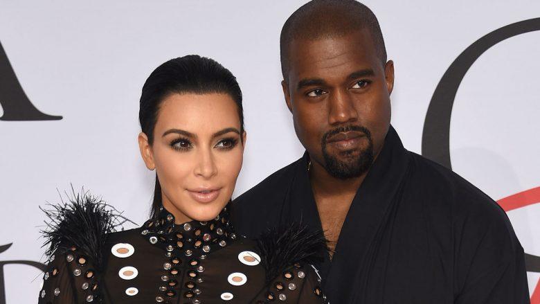 Kim Kardashian ndan një moment intim me bashkëshortin (Foto)