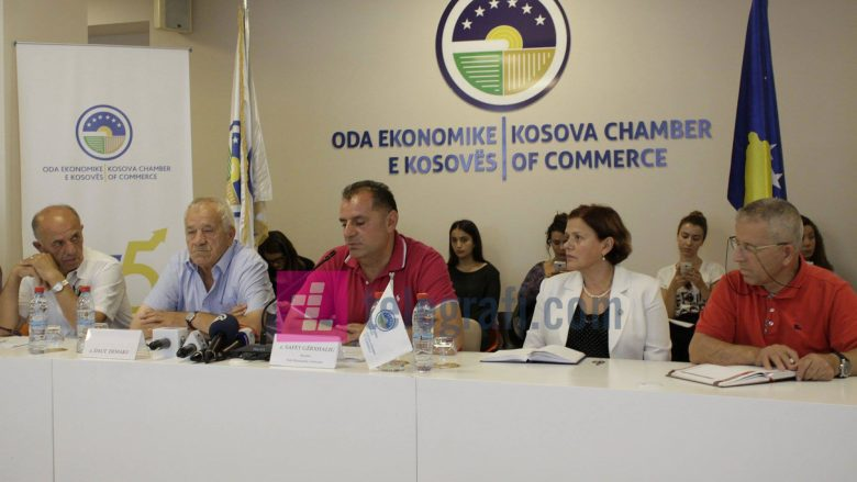 OEK 'freskon' biznesmenët me ligjëratën e Daut Demakut, për mendimin pozitiv