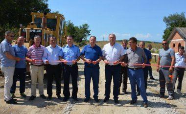 Fillojnë punimet për asfaltimin e rrugës në Deiq të Klinës