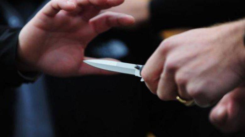 Therje me thikë në Vushtrri