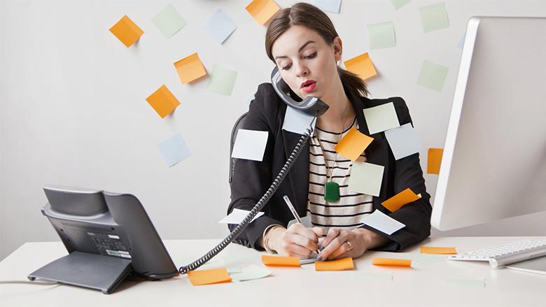 Dhjetë mënyra për t'u dëshmuar në punë