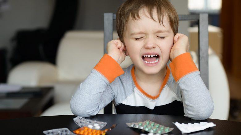 Mos i jepni antibiotikë fëmijës sa herë që sëmuret