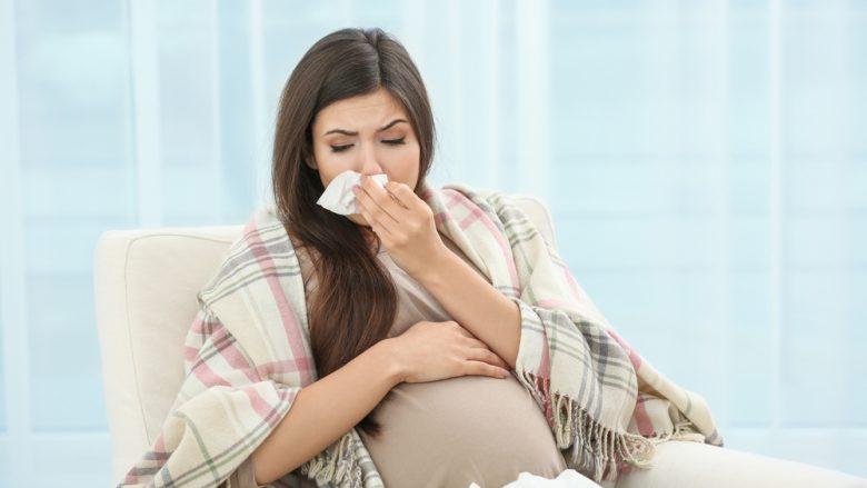 Si të mbrohen shtatzënat nga gripi