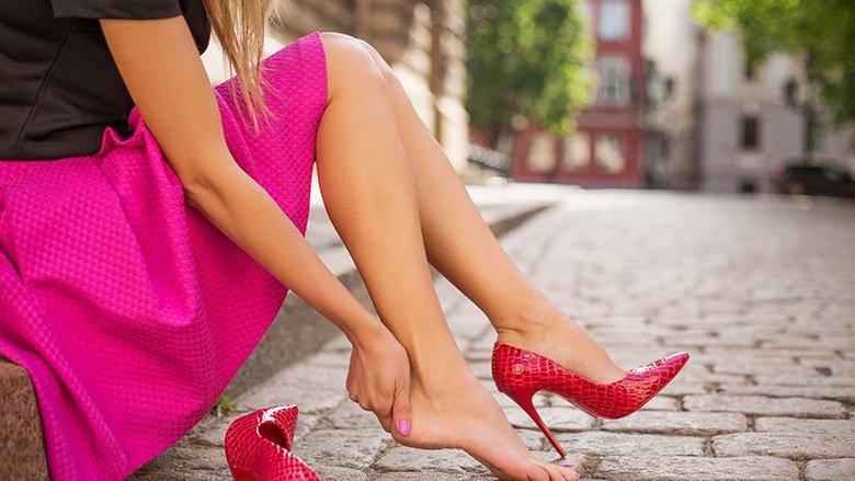 Tri arsye pse nuk duhet të vishni take të larta?