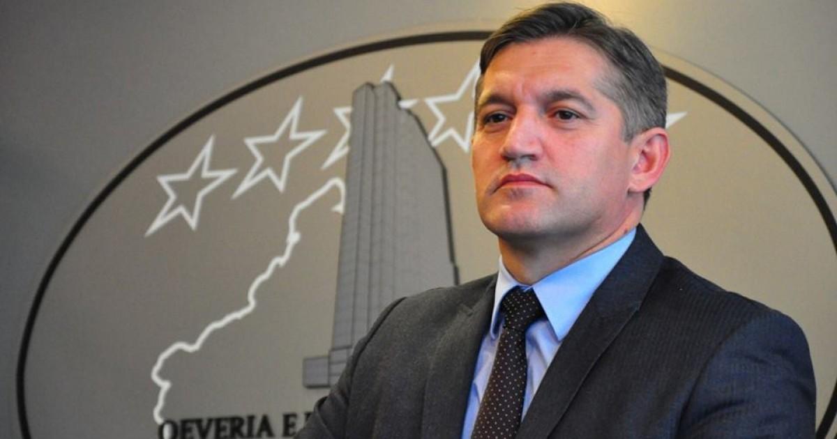 Ministri Besim Beqaj nuk ka dhënë dorëheqje
