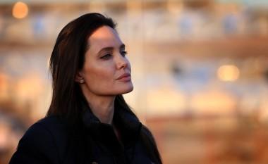 Kështu ia kërkoi Angelina ndarjen Brad Pittit