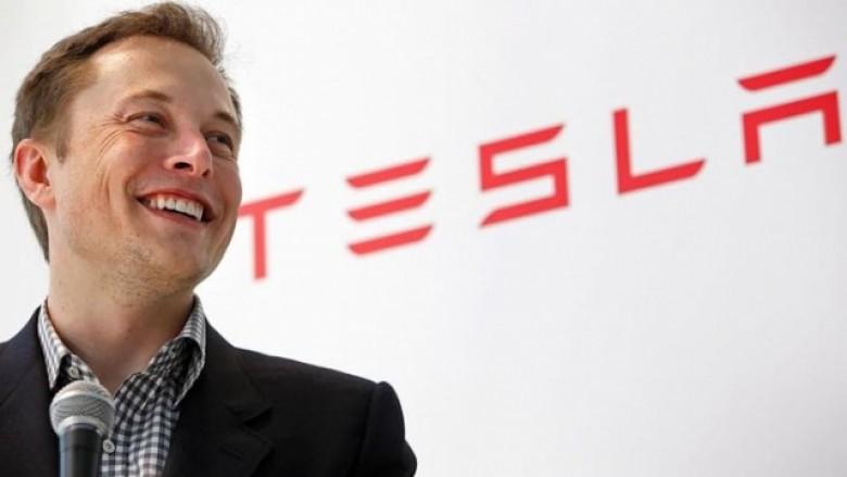 Elon Musk vjen me një inovacion të radhës, kësaj radhe ka të bëjë me këmbësorët (Video)