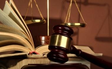 Një grua për më shumë se dy vite ka punuar si avokate pa licencë në Gjykatën e Ohrit