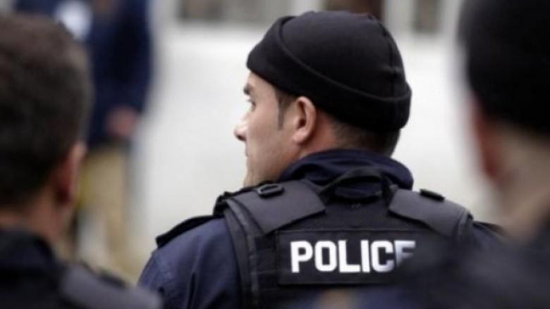Policia bastis katër shtëpi në Vushtrri, arrestohen pesë persona dhe konfiskohen armë e municion