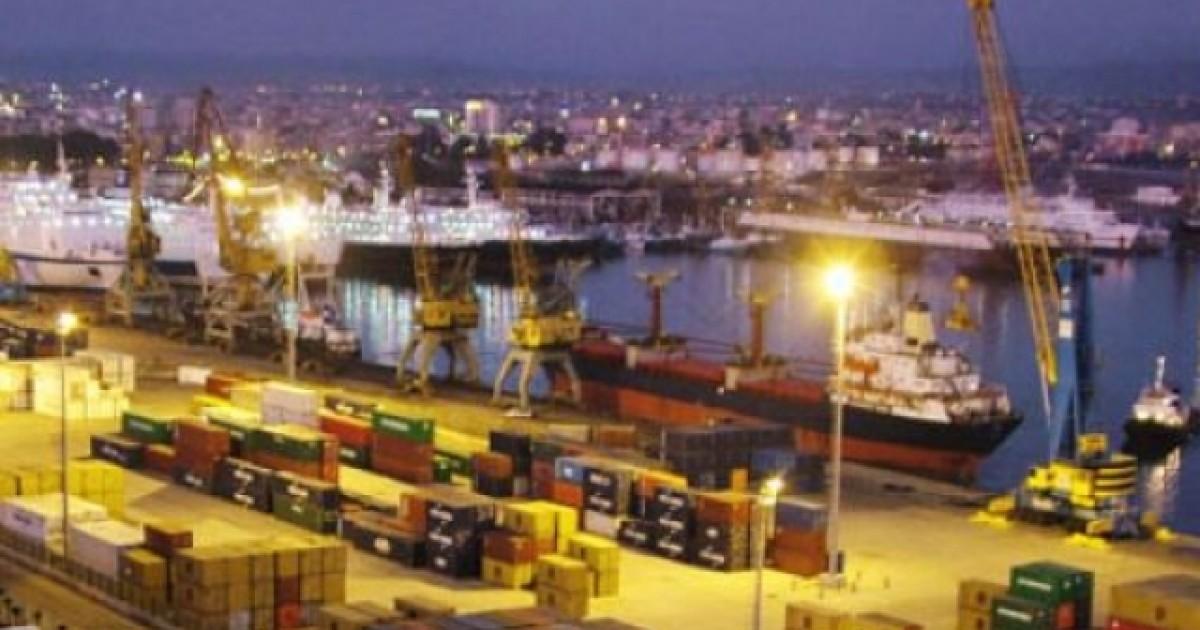 Fluks largimesh në Portin e Durrësit pas festave të fundvitit