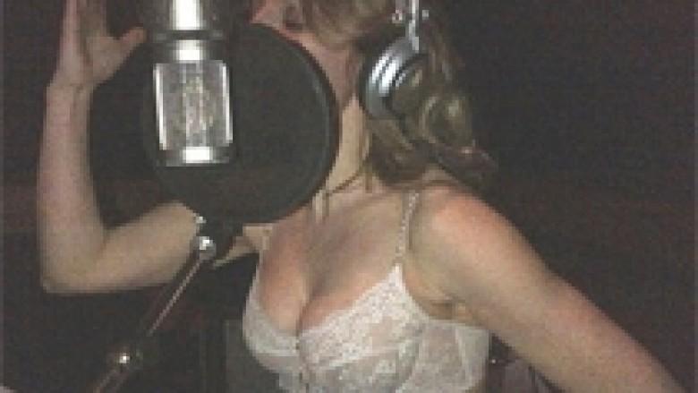 Halliwell zhvishet në studio