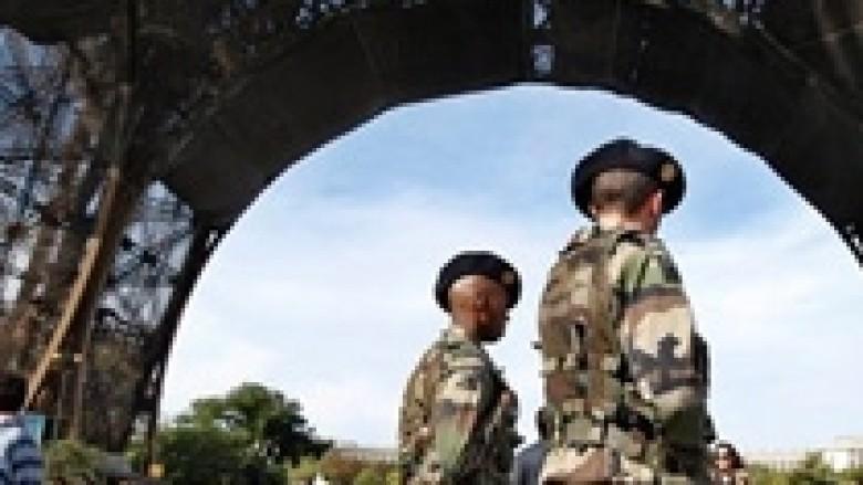 Al-Qaeda kërcënon Francën: Sulme të reja