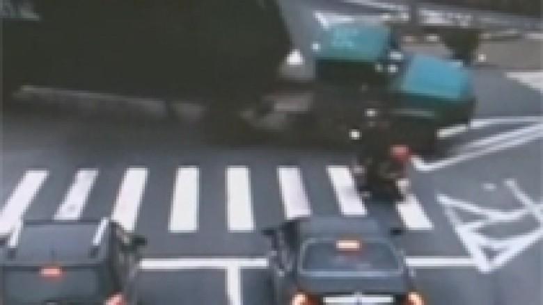 Fati ishte në anën e motoçiklistit (Video)