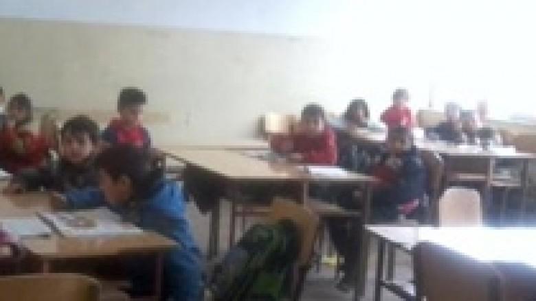 Edhe një klasë e ndarë në baza etnike