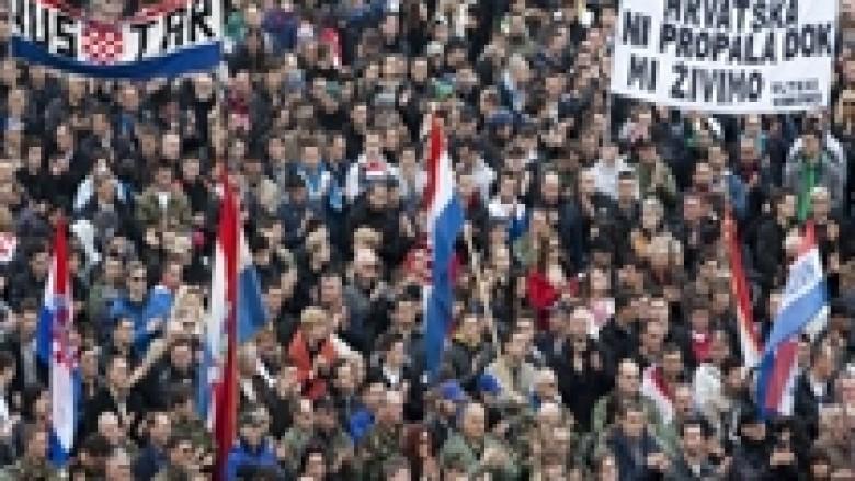 Demonstratë kundër shkrimit cirilik në Vukovar