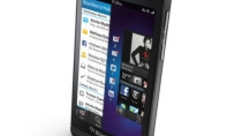 Shitjet e BlackBerry Z10 tejkalojnë pritjet!