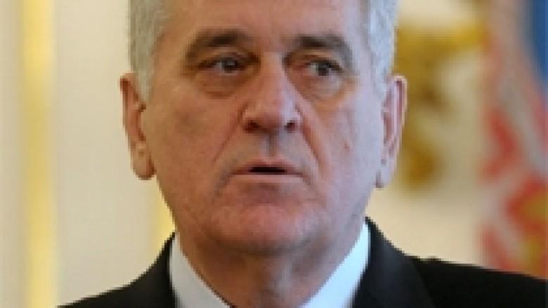 Nikolic: Ndërkombëtarët të mbrojnë serbët në Kosovë