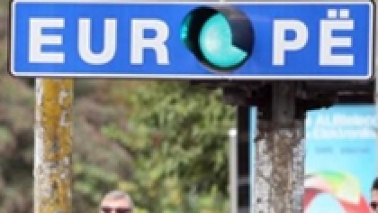 Krimi dhe korrupsioni mbajnë Kosovën larg liberalizimit