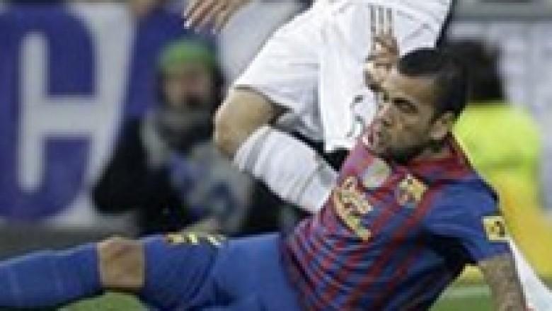 Alves: Messi i bën gjërat të lehta