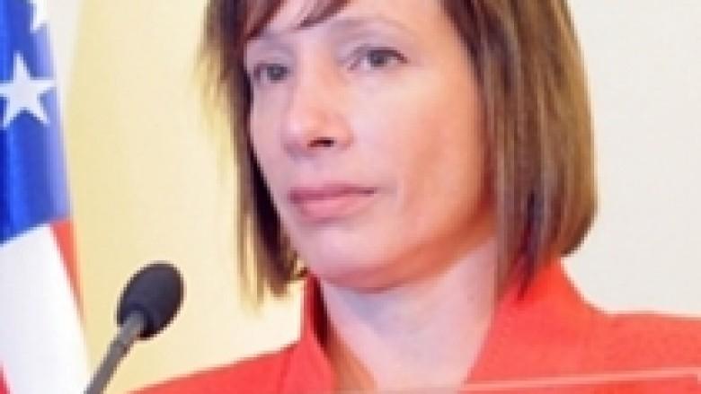 Jacobson: Të lëvizet përtej historisë së dhimbshme