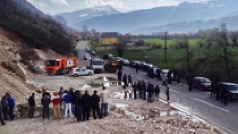 Plavë, banorët vazhdojnë kundërshtimin e deponisë për mbeturina në Martinaj