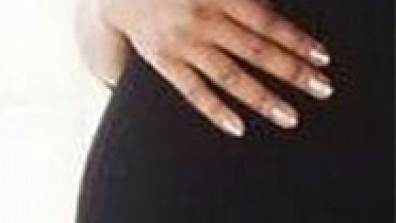 Krim i dyfishtë brenda familjes, burri vret gruan shtatzënë