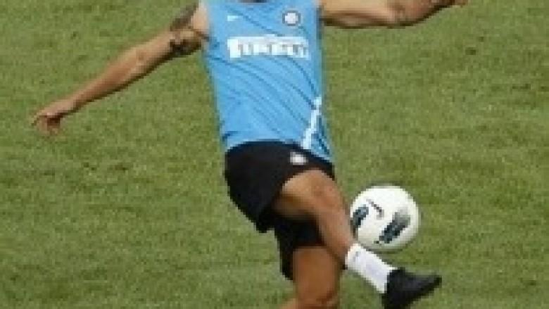 PSG nuk e transferon Sneijderin