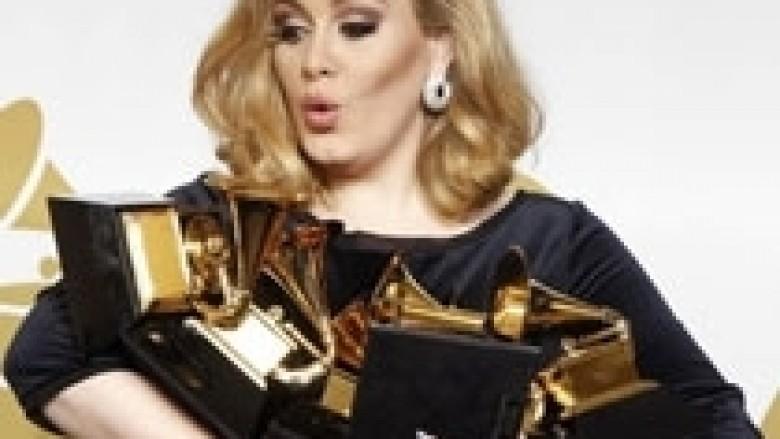 Adele, mbretëresha e iTunes
