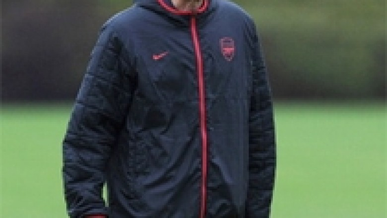 Wenger premton përforcime gjatë janarit