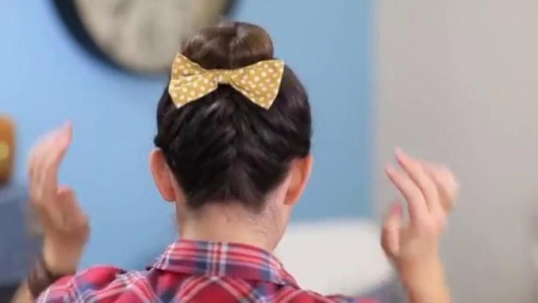 Gërshetat e rafinuara franceze: Bëjeni frizurën për 6 minuta