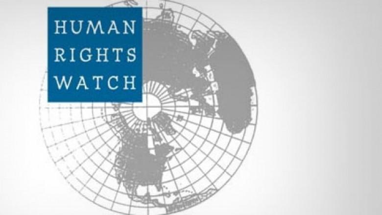 HRW për Kosovën: Përparim i ngadalshëm në mbrojtjen e të drejtave të njeriut