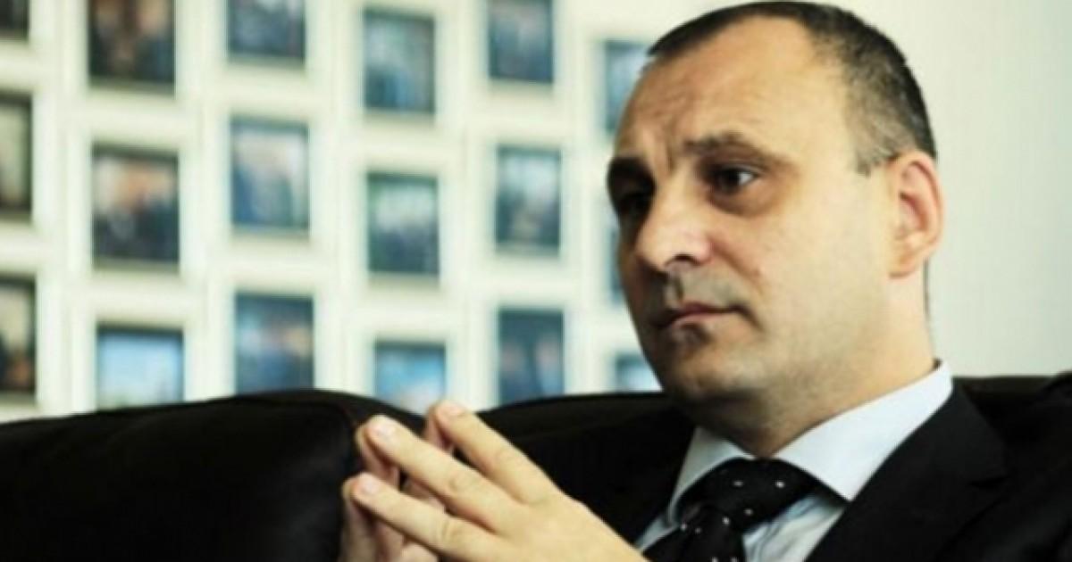 Slobodan Petroviq akuzon Serbinë për frikësim