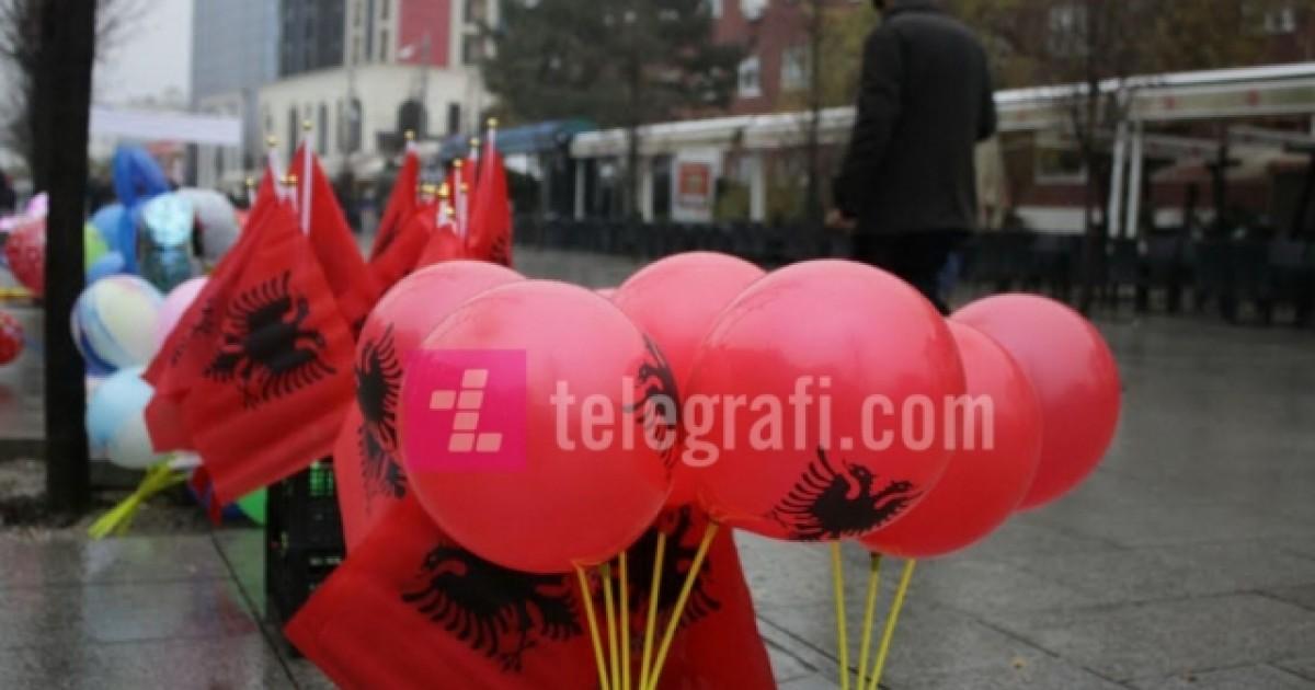 Kërkohet që 28 Nëntori të jetë festë zyrtare