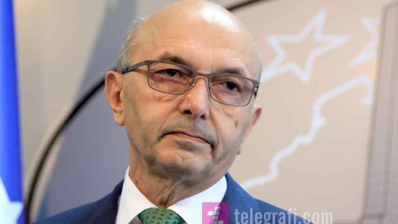 Isa Mustafa tregon sa këshilltarë kishte kur ai ishte Kryeministër