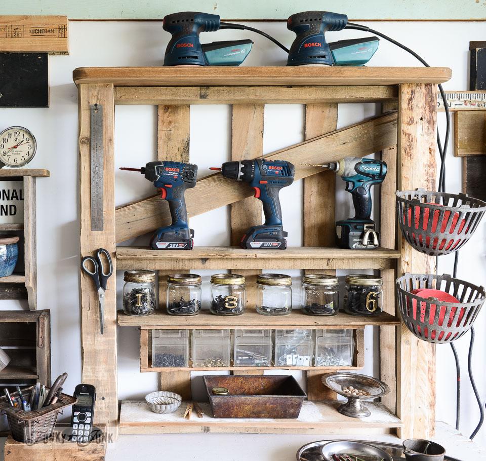 pallet-tool-shelf-006