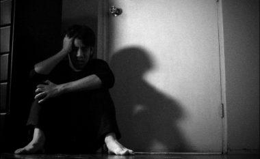 Të vetmuarit kanë mundësi tri herë më të mëdha, të pësojnë sulm në zemër