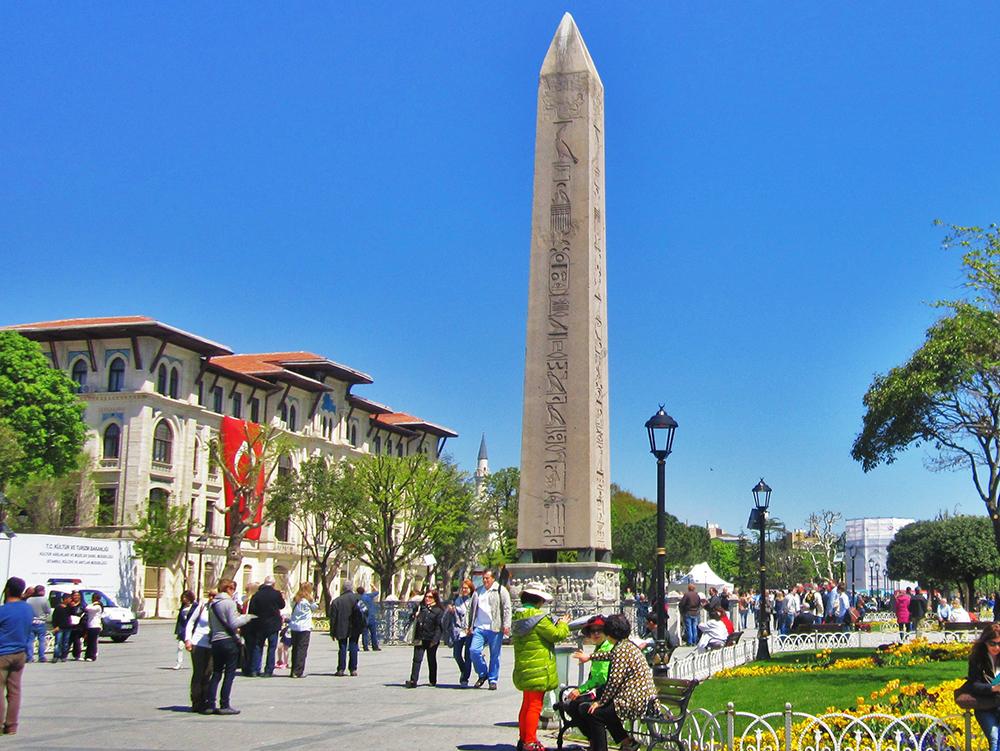 obelisku