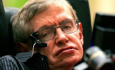 Rastësi: Stephen Hawking vdiq në ditën Pi, dhe në ditëlindjen e Albert Einstein (Foto/Video)