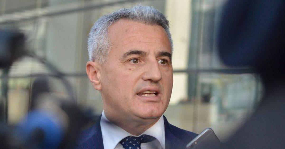 Koci thotë se Kosova nuk e ka plotësuar kushtin religjioz për liberalizim të vizave
