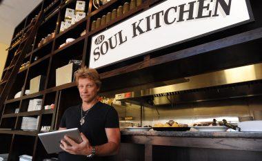 Në restorantin e Jon Bon Jovit të varfërit nuk paguajnë! (Foto)