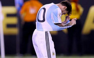Lotët e Messit pas humbjes nga Kili (Video)